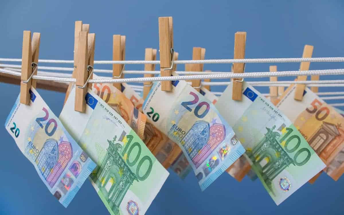 Lösungen zur Verhinderung von Geldwäsche vertreibt FICO jetzt auch über die sg-Gruppe. <Q>IrynaMylinska / Bigstockphoto