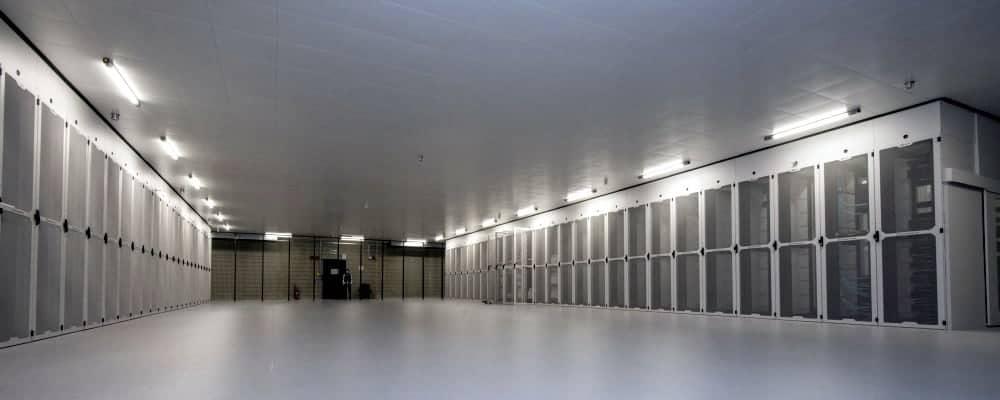 Blick in einen der Serverräume des neuen Rechenzentrums. <Q>Noris Networks